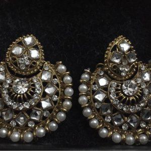Traditional kundan Jewellery With Fashionable Round shape Jhumka With White Stone & Pearl