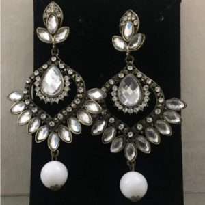 Traditional kundan Jewellery With Fashionable Drop Earring With White Stone & Pearl (Copy)