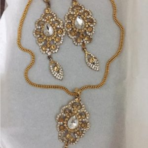 Traditional kundan Necklace With Shinning Pearls in White & Light Brown For Women